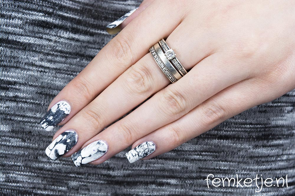 Marble nail design femketjes blog if i could only wear one nail design for the rest of my life i think it would be a white and blackgrey marble design prinsesfo Images