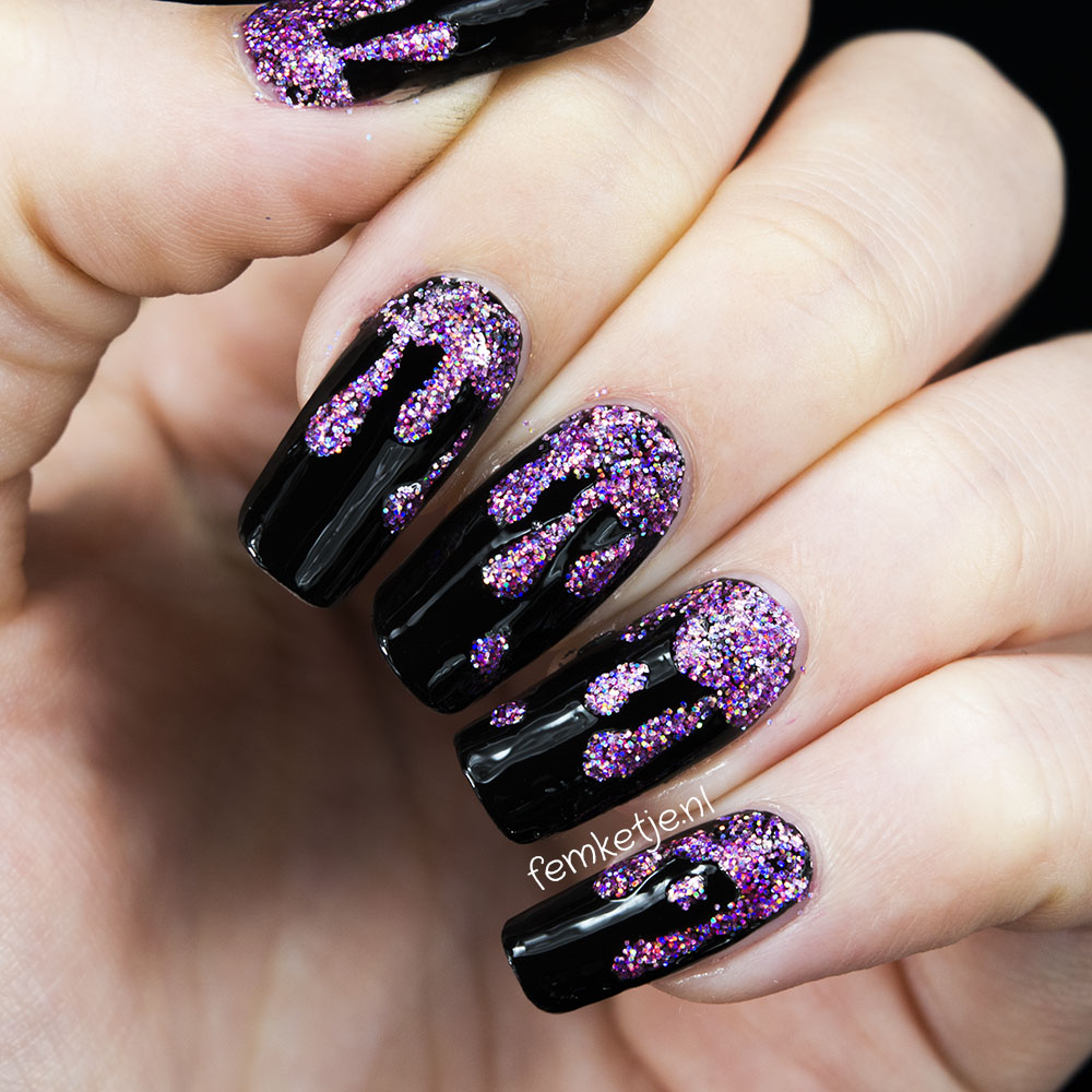 Nails Dripping Pink Holo Glitter Blood Halloween Femketje